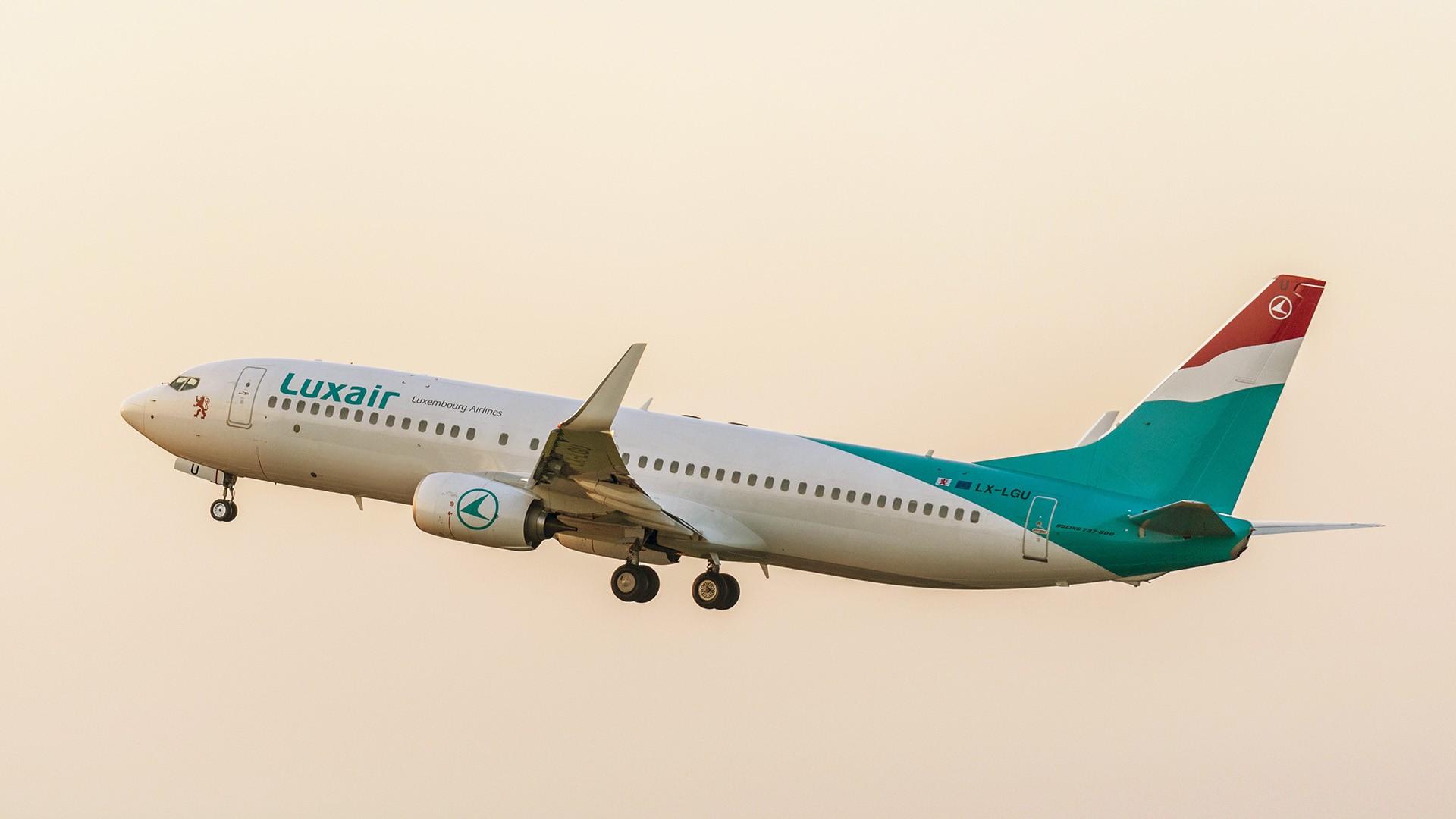 Flotte d 39 avions boeing 737 800 luxairtours for Interieur 737